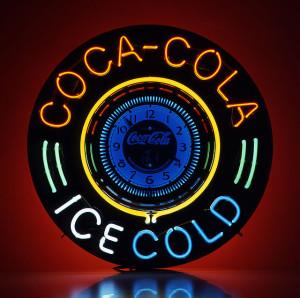 コカ・コーラブランドのビックネオンサインクロック。