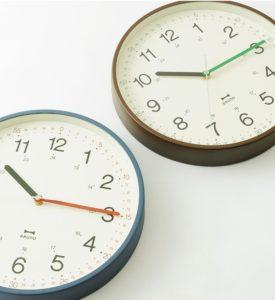 3色の針と細かな時間表記で時間を学べる ブルーノプロデュースの知育クロック