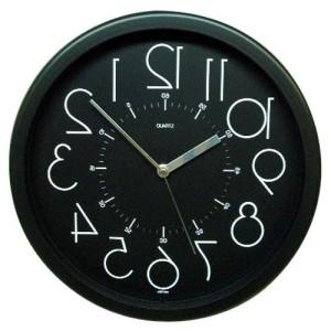 鏡に映すと正常に見える、逆転時計。