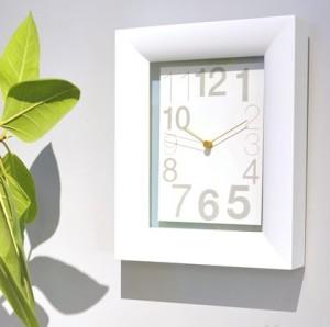 Lemnos製 アートフレームな掛け時計「TypeKAKU」