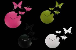さなぎを破り蝶は舞う。イタリア生まれのBUTTERFLY CLOCK。
