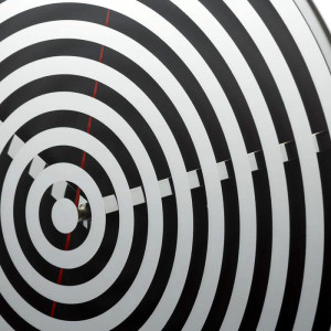 ベクターアートのような不思議な時計 MirrorSpiral(ミラースパイラル)