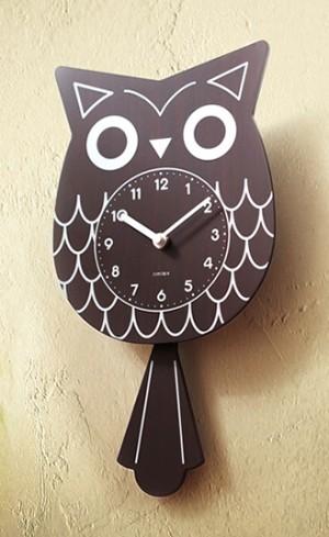 つぶらな瞳に揺れるしっぽが可愛い振り子時計 アウルペンデュラム