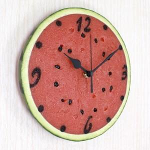 年中常夏気分?! リアルなスイカの掛け時計