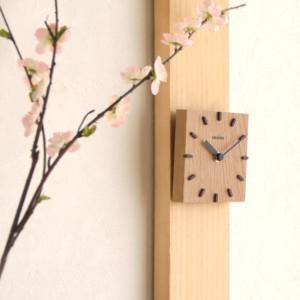 和の空間に調和する COSINE製「和室時計」